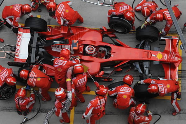 Formula 1 car pit stop using SMED