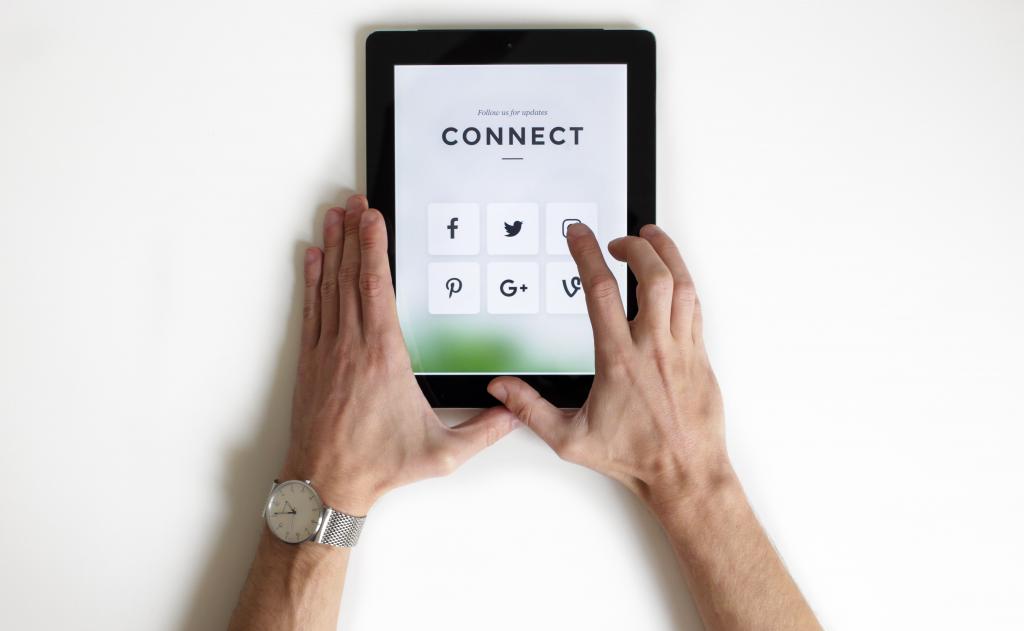 Webinar: How To Deliver Empathy on Digital Channels