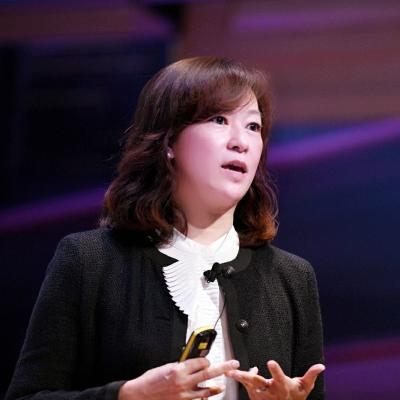 Sophia Tsao, Chief Digital Officer at Fashionphile