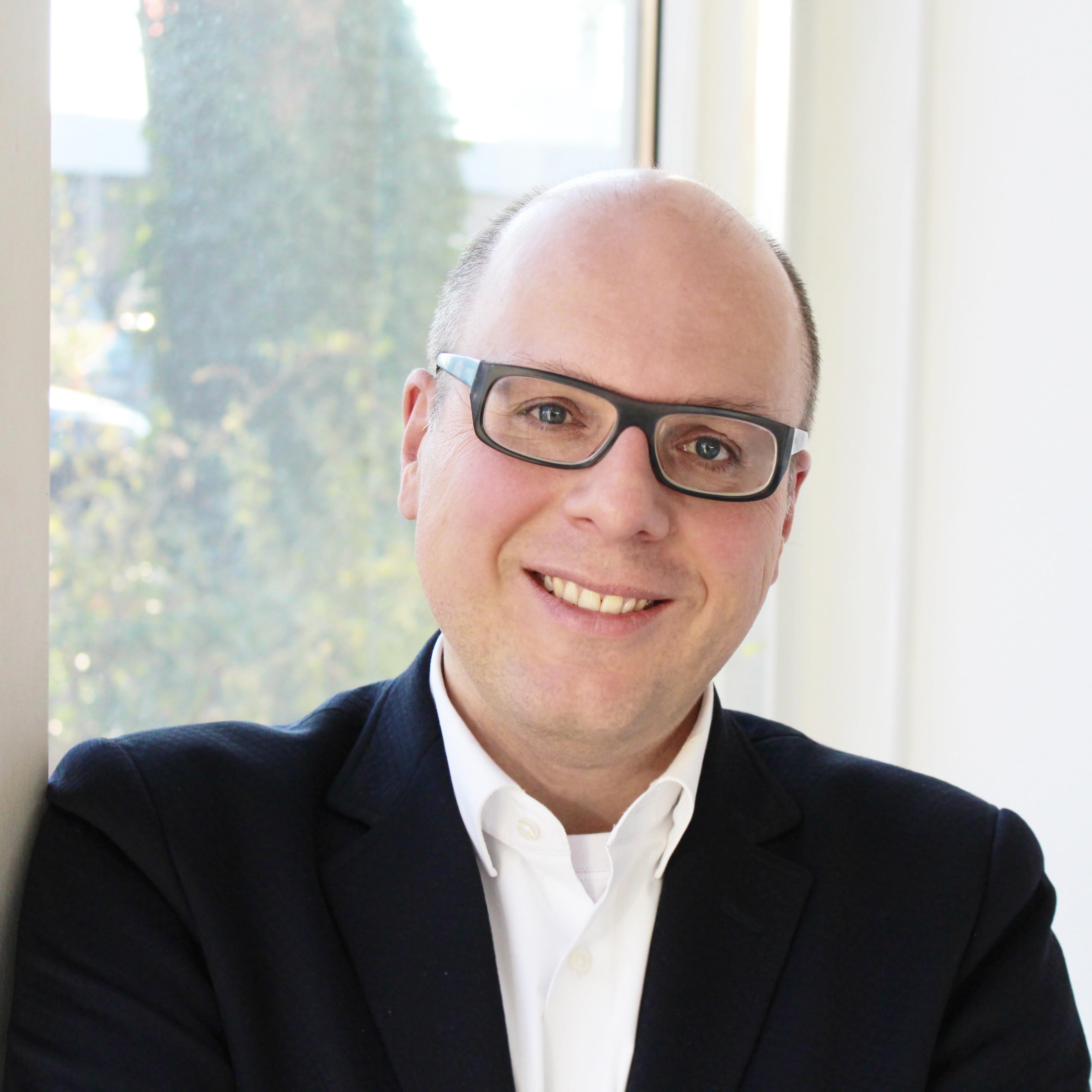 Dr. Stefan Dietrich