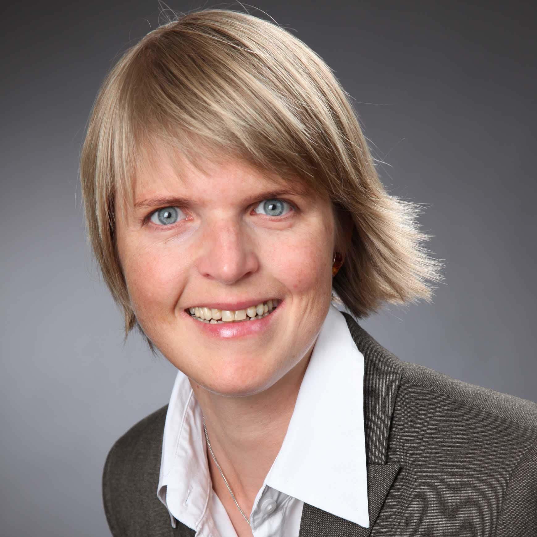 Dr. Christina Schober