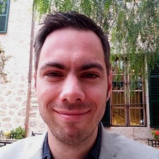 Simon Levett