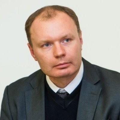Dr. Arūnas Molis