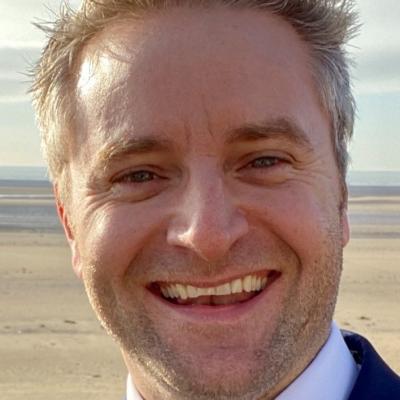 Dr Martin White