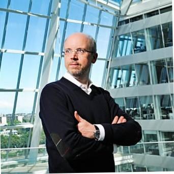 Dirk Holbach, CSVP Supply Chain at Henkel