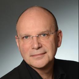 Dr Michael Täger