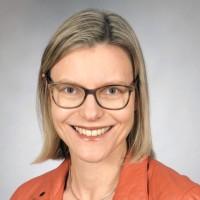 Dr Corinna Sundermann