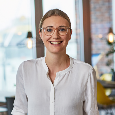 Jennifer Yohannes, CEO at Kartenmacherei