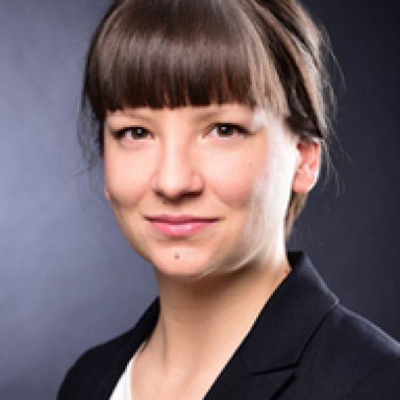 Eva Quadbeck
