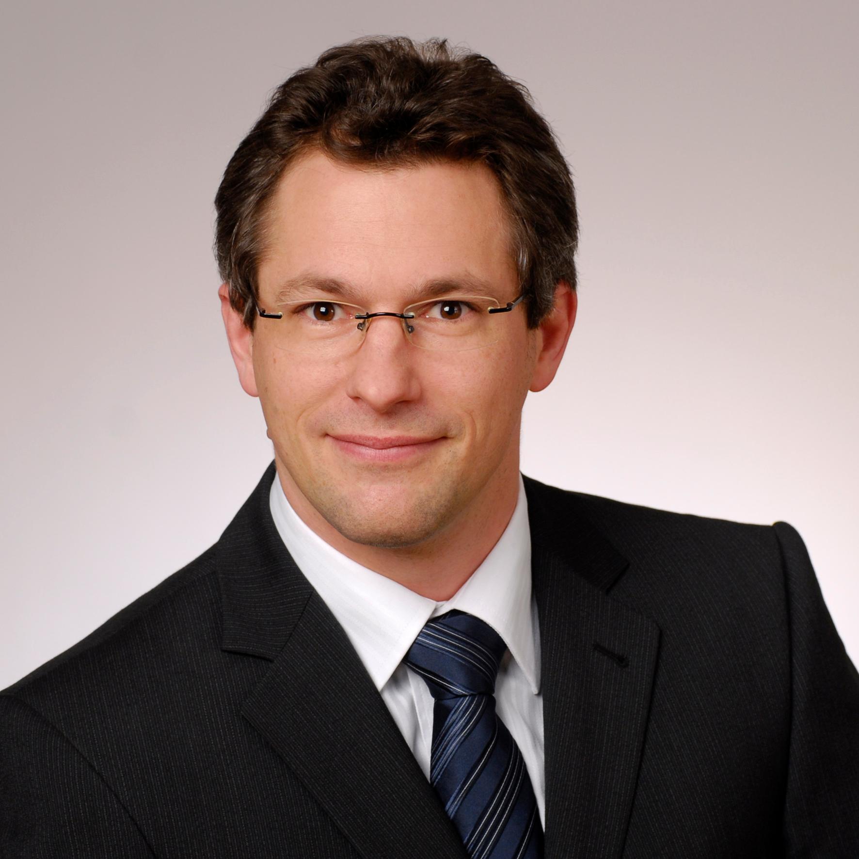 Dr. Thomas Maier-Komor
