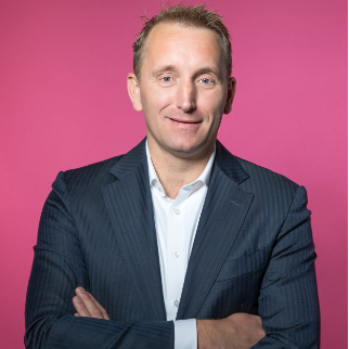 Paul Kölzer, Manager Sales at FLX Solutions