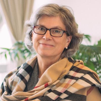 Dr. Cristina Banks