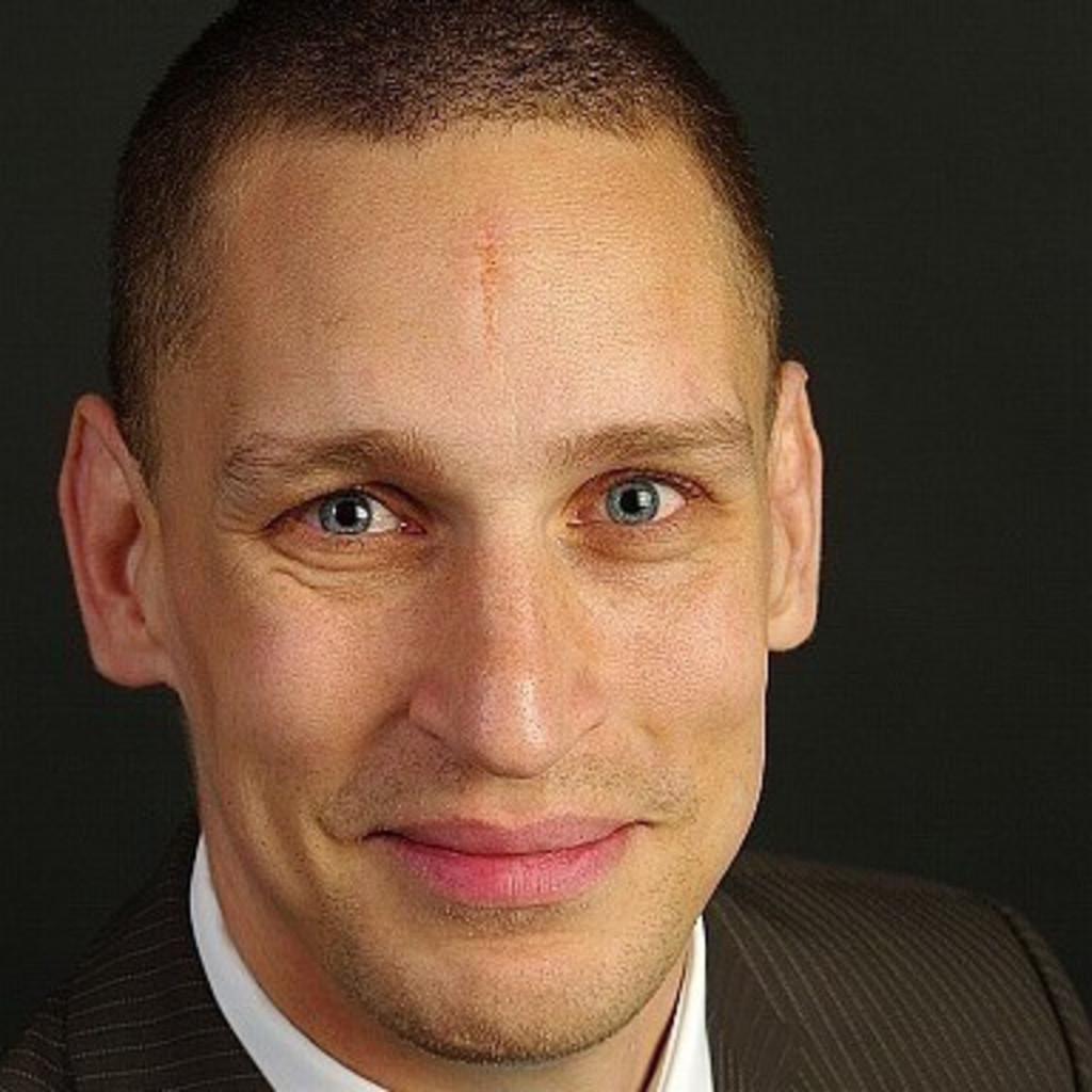 Dr. Michael Schultz