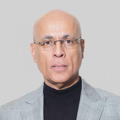 Peter Cummings, CEO at Essex Lake Group