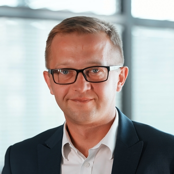 Maciej Kulbat, Managing Director, Global Business Services at Avon