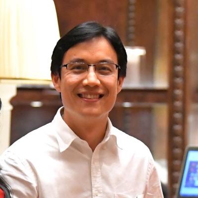 Dr. Natawat Saigosoom