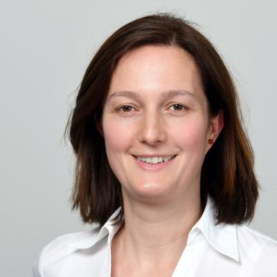 Dr. Katalin Velladics