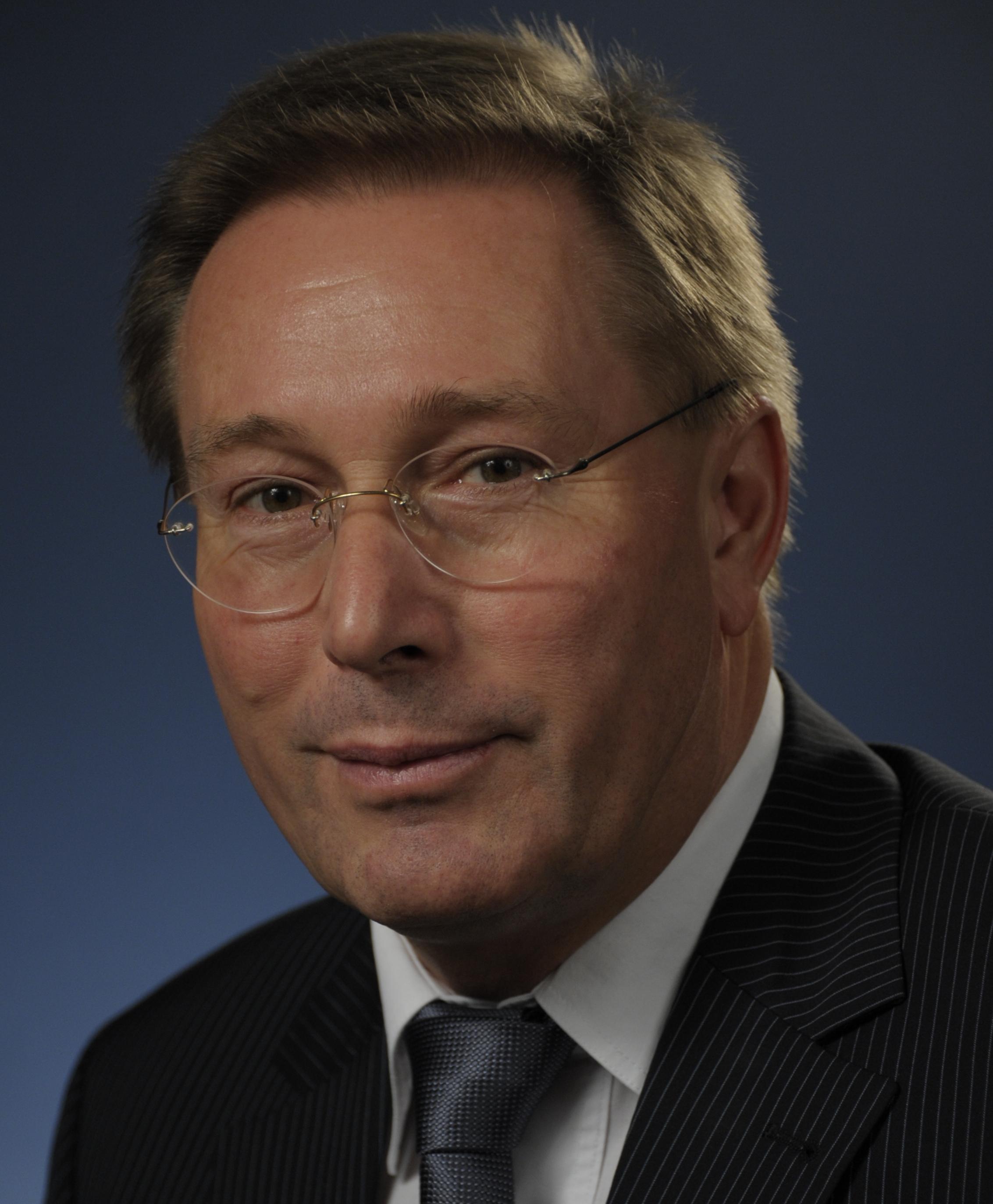 Dr. Wolfgang  Lippmann