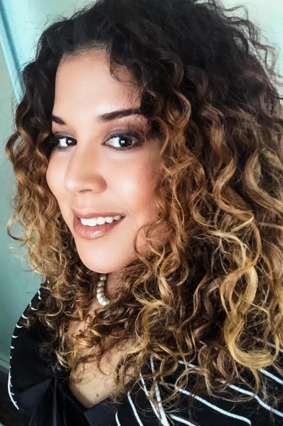 Julie Veloz