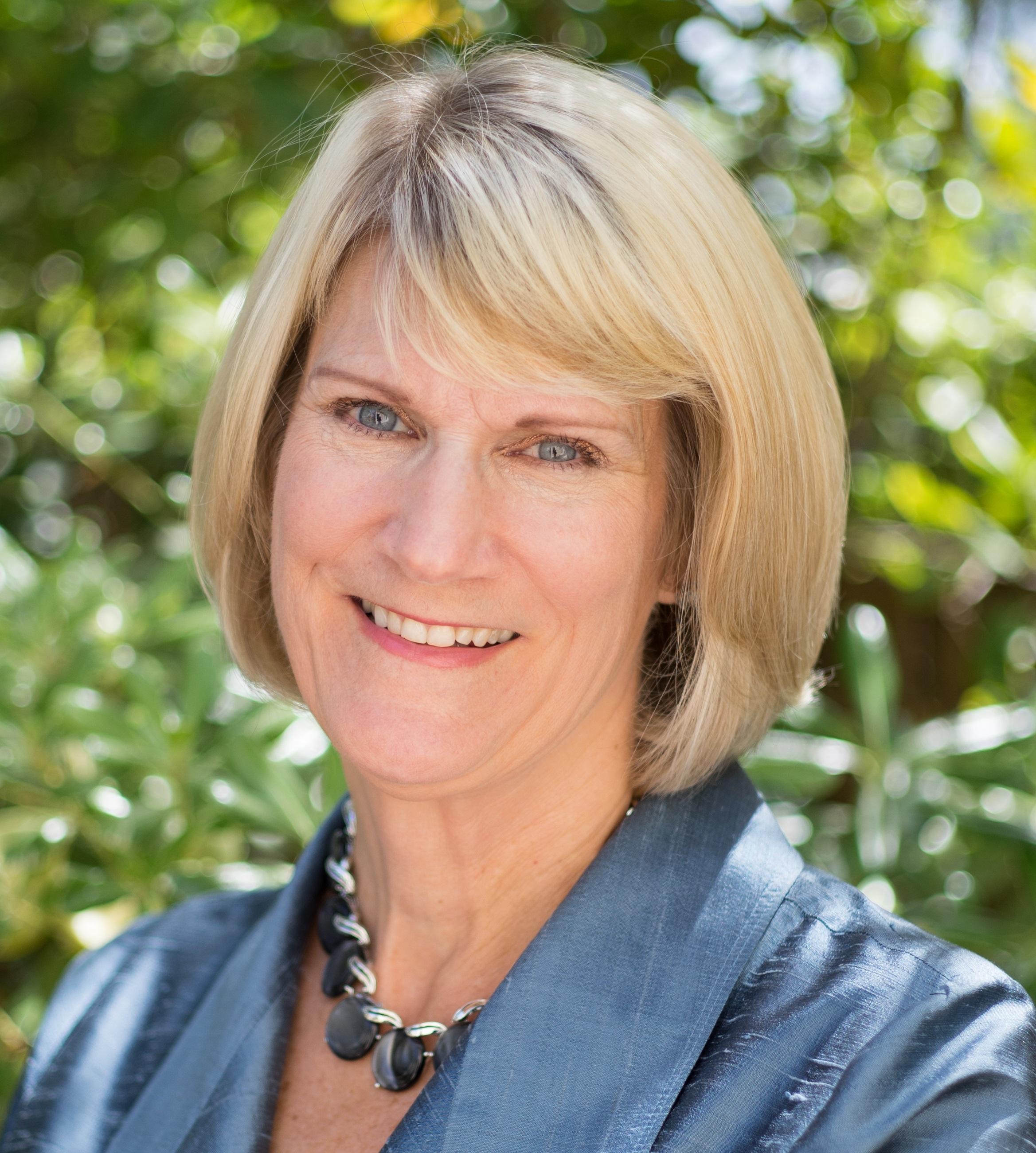 Lois Leslie