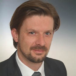 Dr. Bernhard  Graf