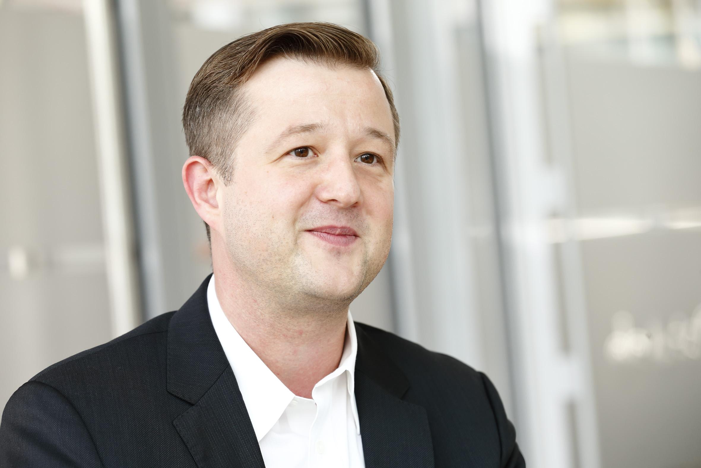 Dr. Dominik  Kalisch