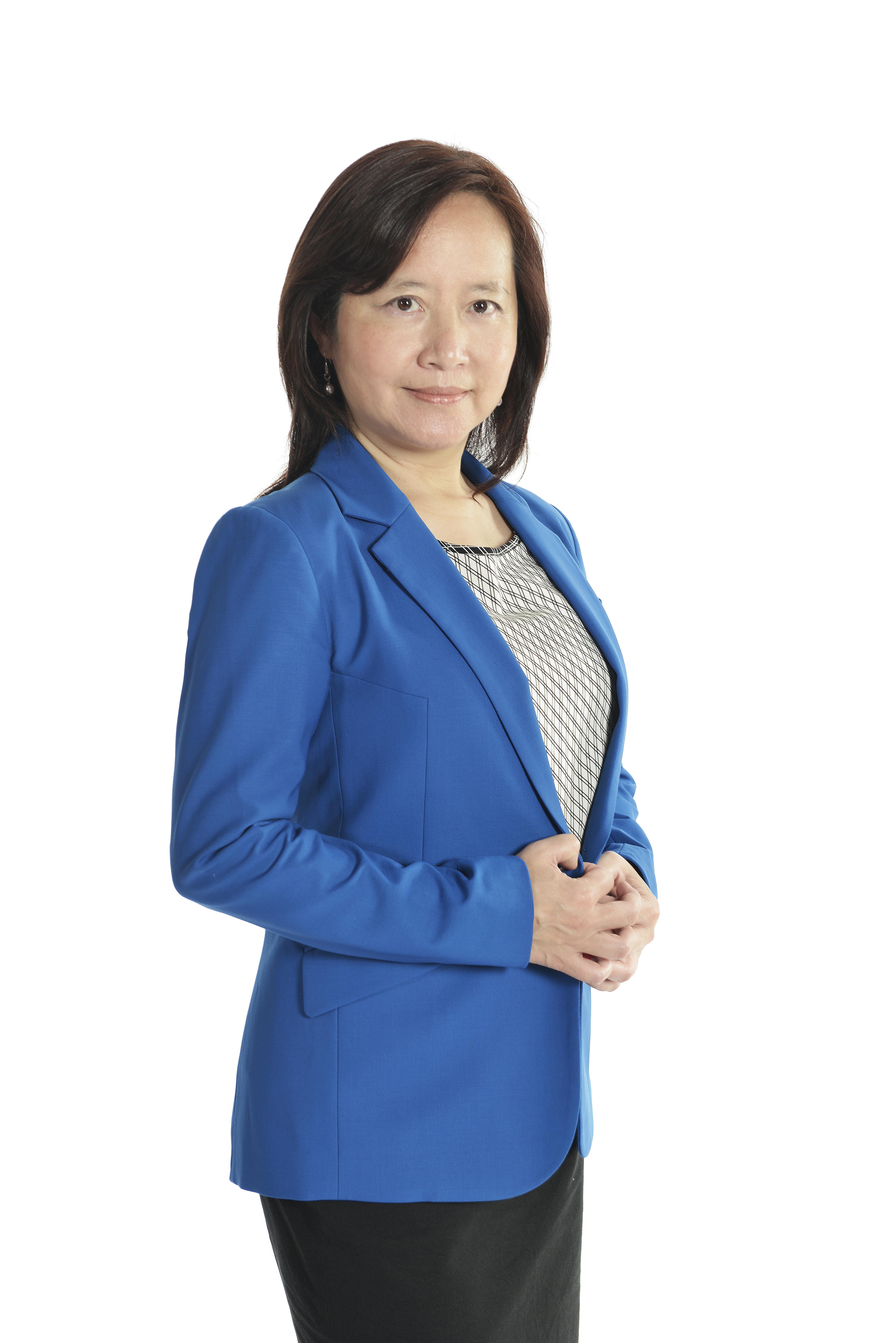 Dr.  Claudia Lin
