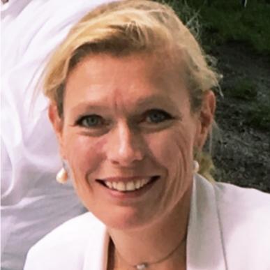 Ariane  Roos