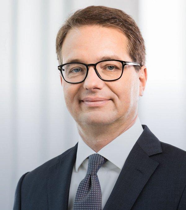 Dr.  Hans-Jürgen Plewan