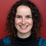 Dr. Iris Peeters