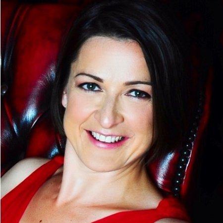 Dr Eliane Algaard