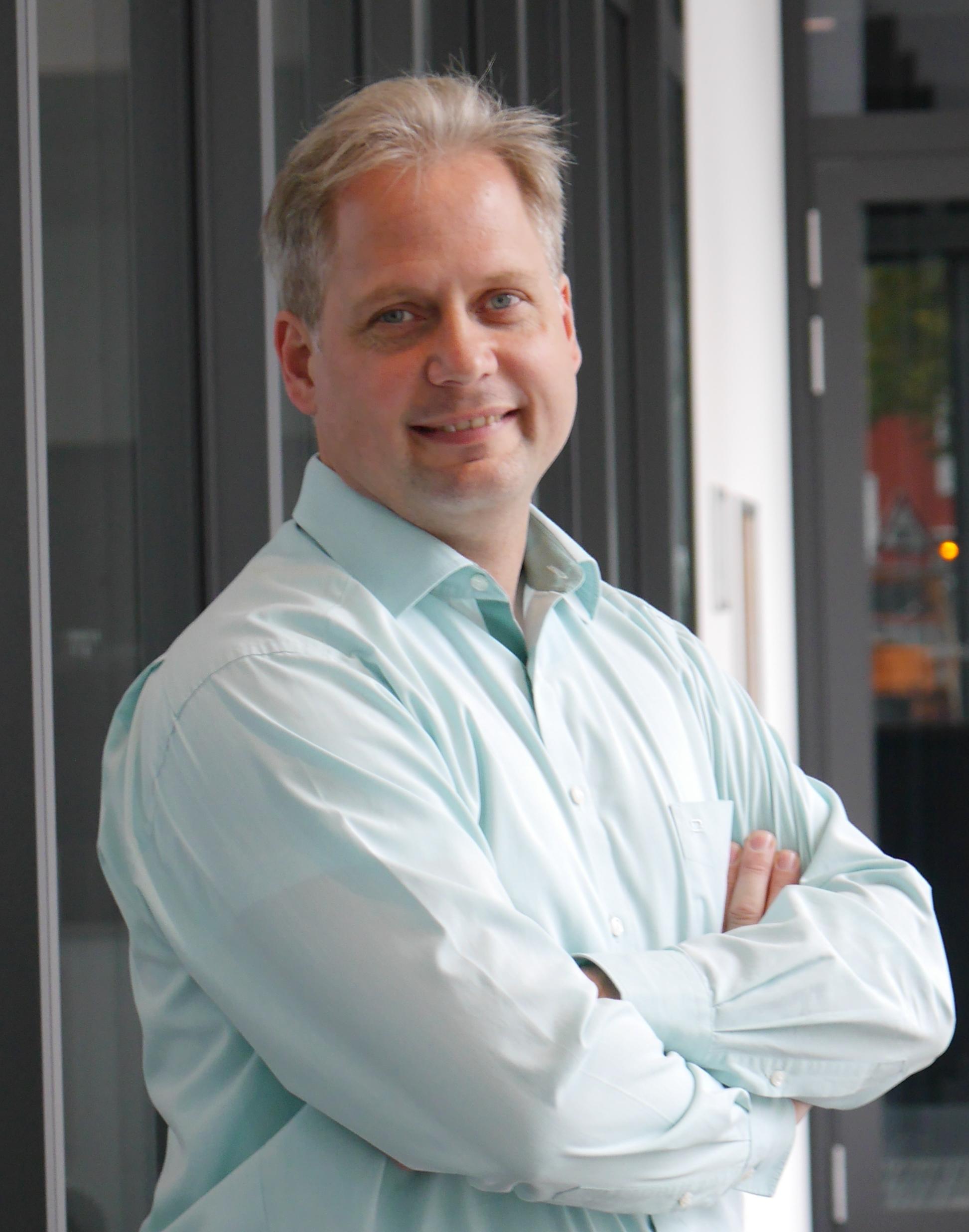 Dr. Carsten Wilks
