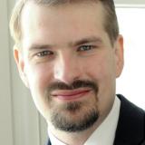 Dr.  Nils Perzborn