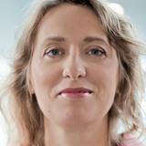 Dr. Szilvia Deminger