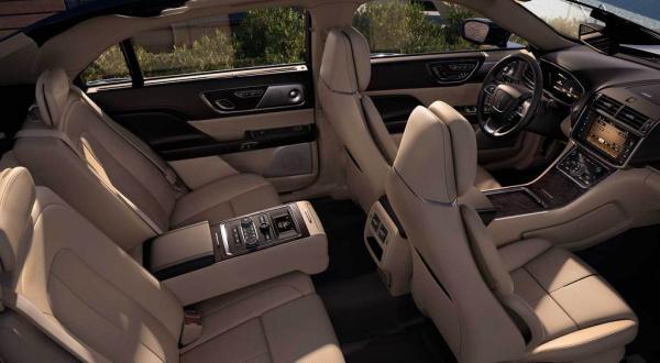 photo interiorseating2_zpsduj38rjq.jpg