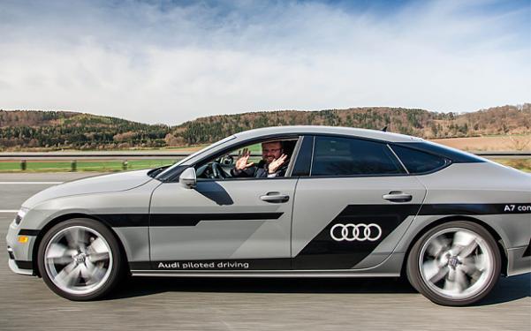 photo Audi_ConnectedCars_zpsr69iek2r.jpg