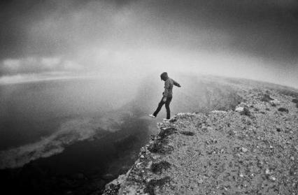 http://data.whicdn.com/images/21856993/boy-cliff-fall-suicide-Favim.com-277762_large.jpg