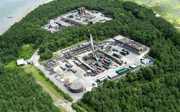 https://energysquared.files.wordpress.com/2014/07/frackinguk.jpg