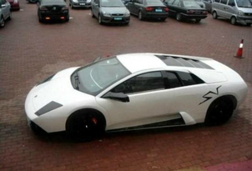 photo Fake_lambo_zpsf5a85eb0.jpg
