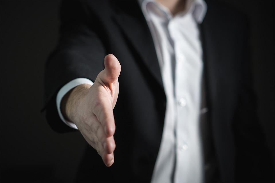 CHRO hiring expat to join organization